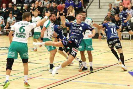 Emil Bergholt og Mads Kjeldgaard på rundens hold