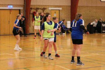 Hvem har øens bedste håndbolddamer?