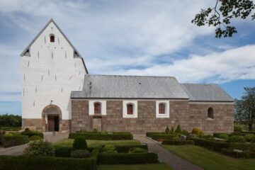 Kirken med det unikke stenhoved