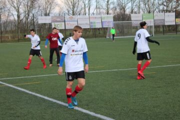 Stadig håb om seriefodbold i foråret