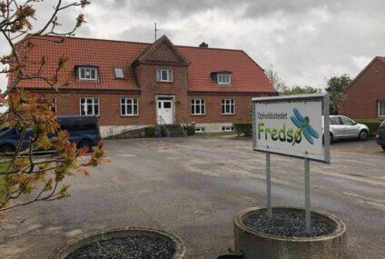 Sønderlemmende kritik: Tilsyn lukker opholdssted for unge i Fredsø