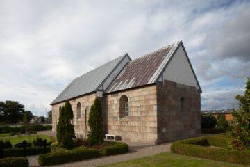 Rakkeby Kirke blev reddet af menigheden