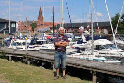 Sejlklubben i Nykøbing rider på en bølge