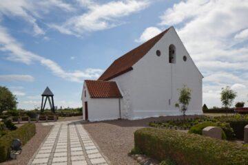 Himlen er horisonten bag Mollerup Kirke