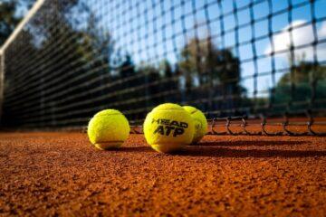 Øl, pølser og tennis må vente lidt endnu