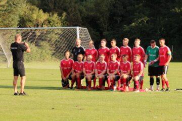 Øens førende fodboldhold i Knæk Cancer-indsamling