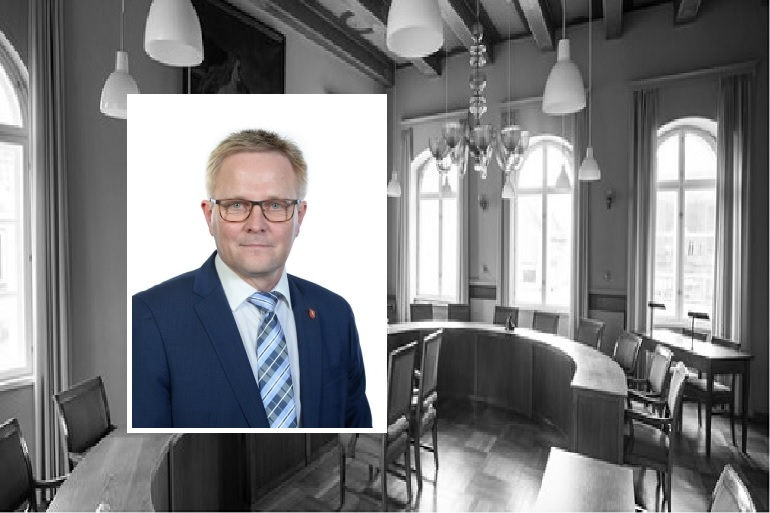 Formand for Sydmors Venstre smækker med døren og skælder ud på Hans Ejner Bertelsen