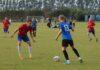Endelig fodbold – men de må vente med at spille kamp