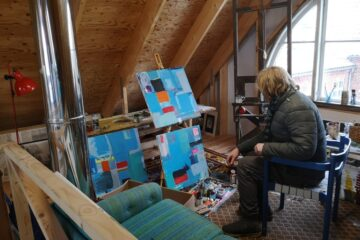 Lokale kunstnere udstiller nye værker til kunstnertræf i Jebjerg