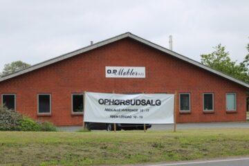 O.P. Møbler lukker sin fabrik i Nykøbing
