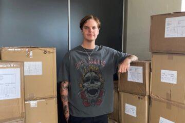 Christian fandt det, han ikke kunne finde – nu designer han og sælger sit eget tøjmærke